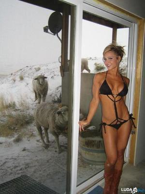 Janna from District Of Columbia is looking for adult webcam chat