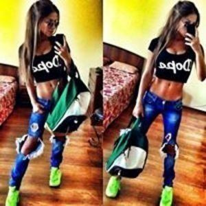Alesha from Bon Air, Alabama is looking for adult webcam chat